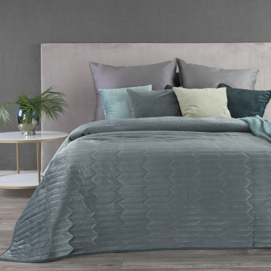 Šedoelený sametový přehoz na postel s efektem prošívání