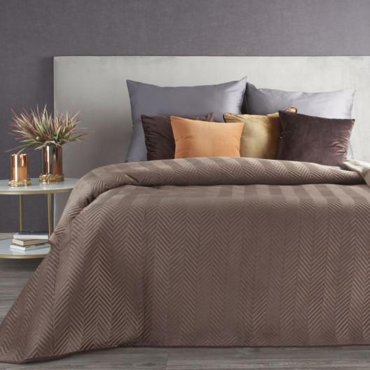 Hnědý oboustranný přehoz na postel s dekoračním prošíváním