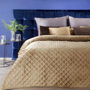 Originální sametový přehoz na postel žluté barvy
