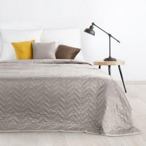Kvalitní oboustranný béžový přehoz na postel s prošíváním
