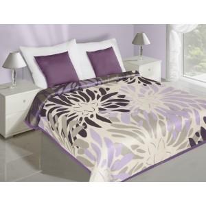 Krémově fialové oboustranné přehozy na postel s květinami