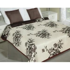 Krémový oboustranný přehoz na postel s hnědými kyticemi květin
