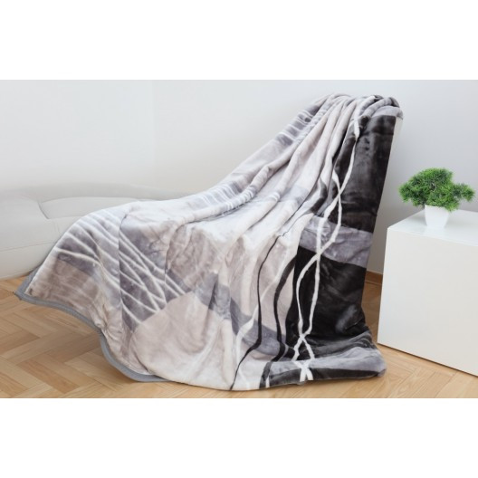 Teplá deka v odstínech šedé a béžové barvy