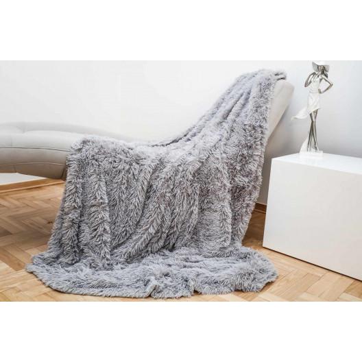 Jemná chlupatá deka šedé barvy