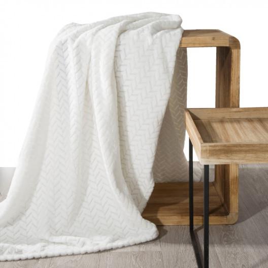 Krémová dekorační deka ze sametově hebké tkaniny