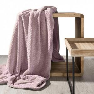 Kvalitní růžová deka s geometrickým vzorem