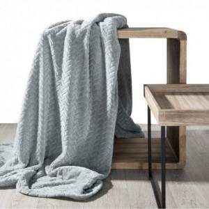 Jednobarevná jemná deka stříbrné barvy