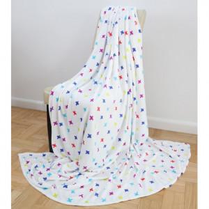 Bílá deka s barevnými vzory