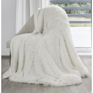 Jemná chlupatá deka krémově bílé barvy