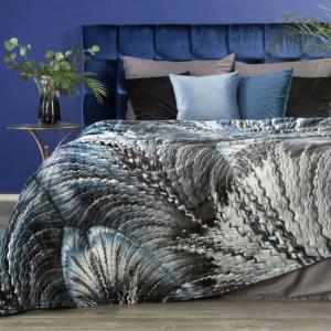 Dekorativní deka v odstínech modré barvy