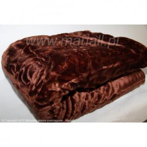 Luxusní deka v tmavohnědé barvy
