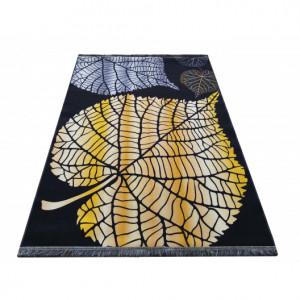 Moderní koberec s listy
