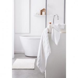 Osušky do koupelny v bílé barvě 50 x 90 cm