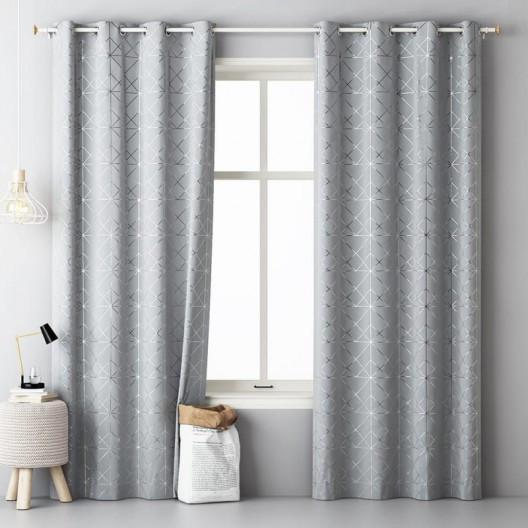 Světle šedé závěsy se stříbrným vzorem 140 x 280 cm