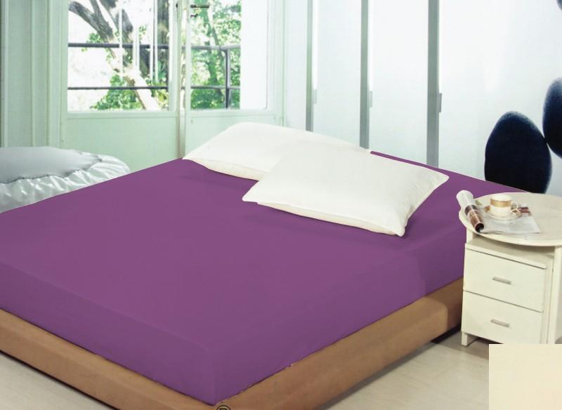 Fialové prostěradlo na postel