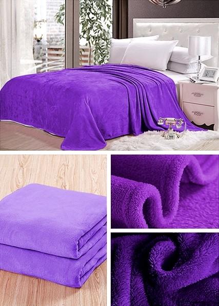 Moderní tmavě fialové deky