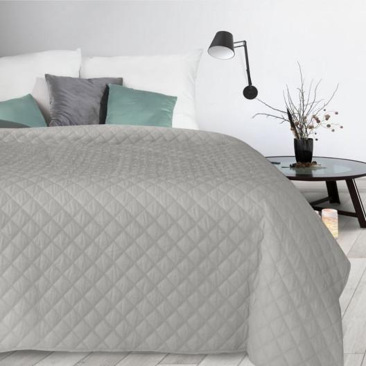 Dekorační prošívaný šedý přehoz na postel