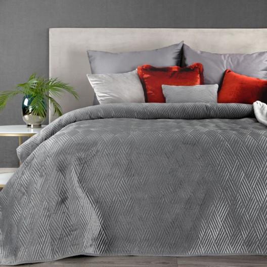 Jednobarevný lesklý šedý přehoz na postel