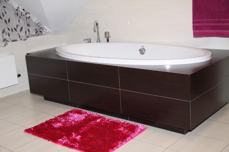 Koupelnové předložky v cyklámenová barvě