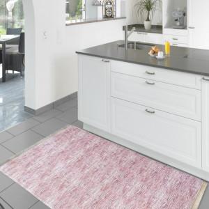 Moderní růžový běhoun do kuchyně