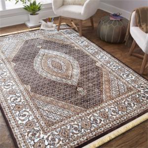 Orientální koberec hnědé barvy