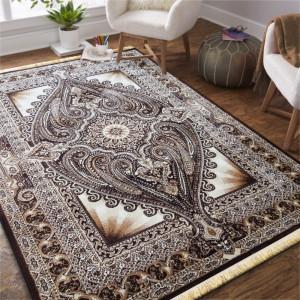 Hnědý koberec v orientálním stylu
