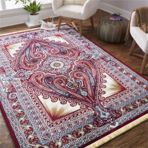Červený koberec v orientálním stylu