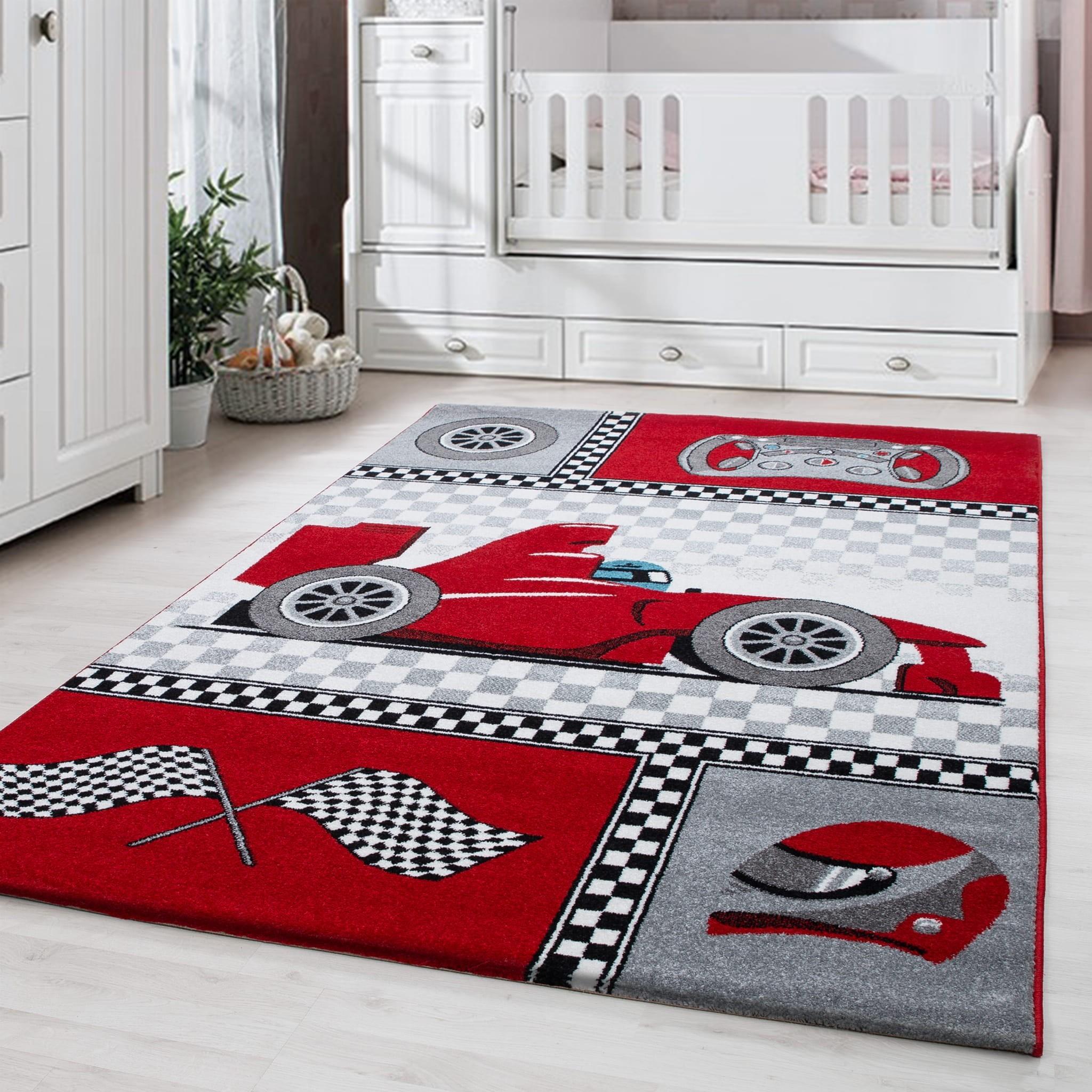 Červený koberec do chlapecké pokoje formule