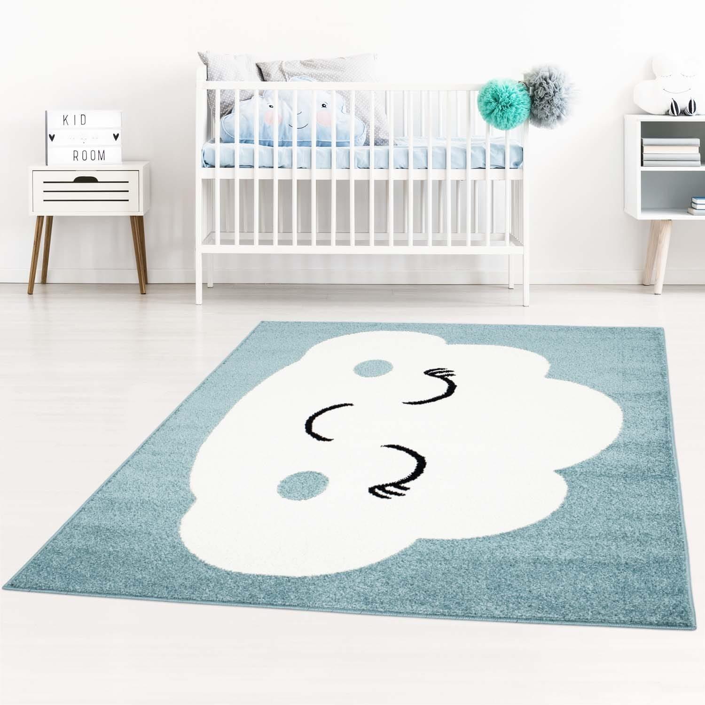 Okouzlující modrý koberec do dětského pokoje spící mráček