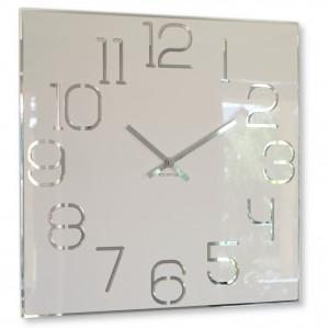 Stylové hranaté hodiny bílé barvy