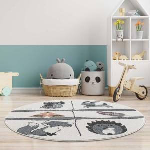Hravý dětský kulatý koberec s motivem lesní zvířátka