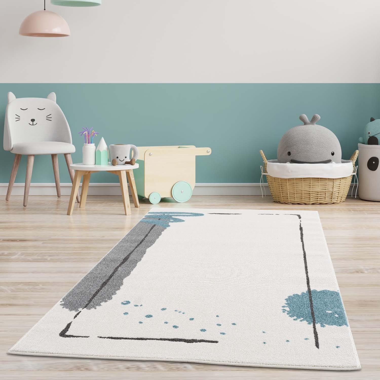 Kvalitní dětský koberec s abstraktním motivem modrý flek