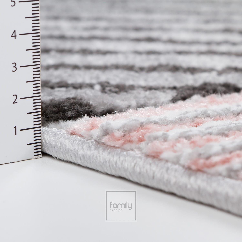 Vzorovaný růžový kulatý koberec do dětského pokoje