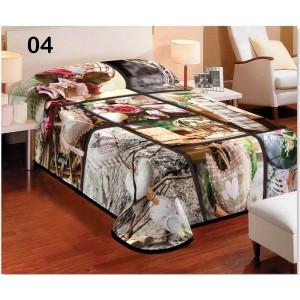 Denní bílo hnědá deka na postel s motivem kytic a srdcí