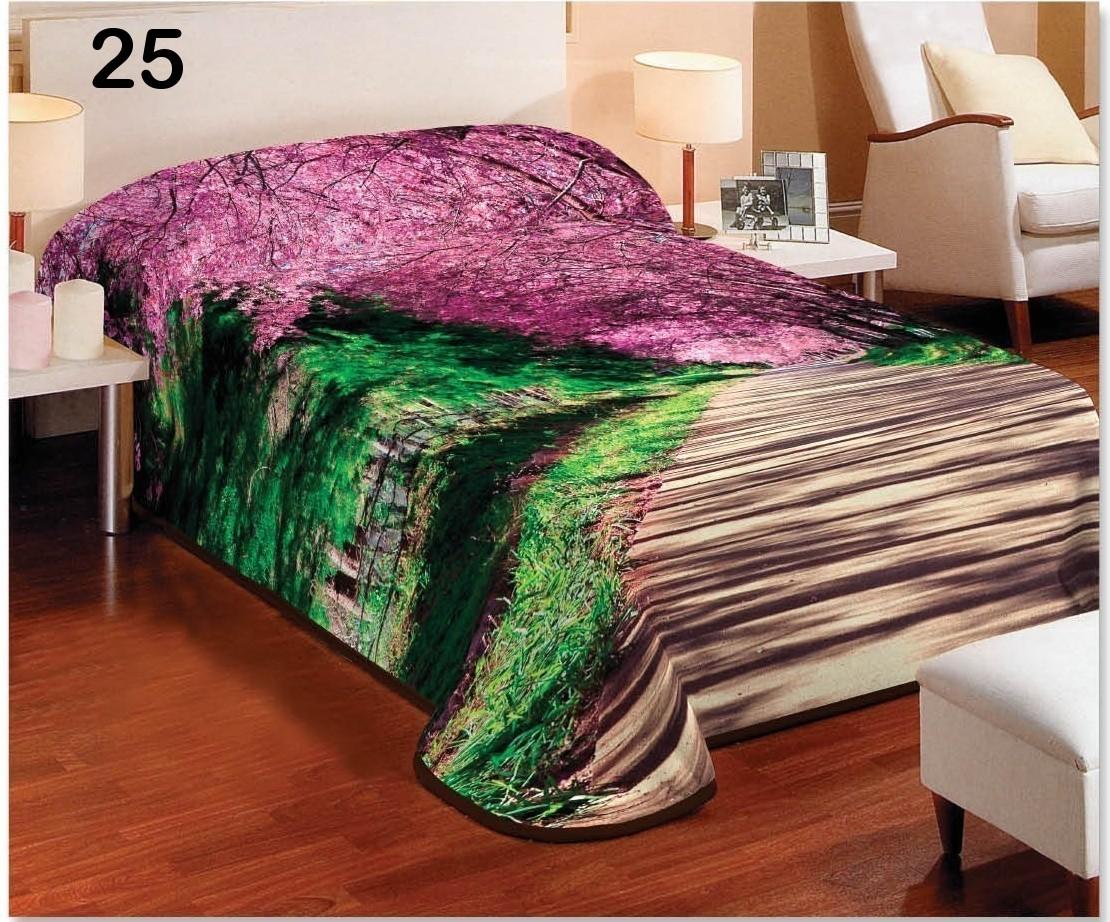 Přehozy přes postel v zeleno hnědé barvě s fialovými okvětními lístky