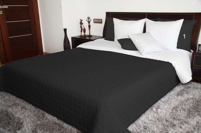 Oboustranné prošívané přehozy přes postel v černo bílé barvě