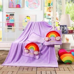 Dětská deka a polštář v jednom světle fialové barvě s medvídky