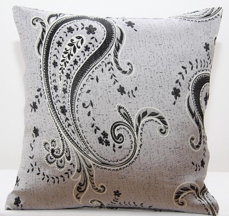 Povlaky na polštáře šedé barvy s motivem