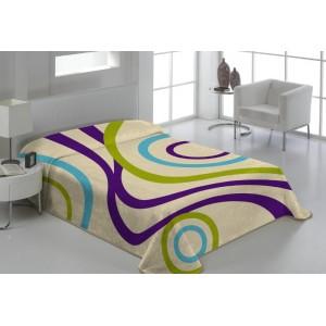 Deka přes postel v krémové barvě