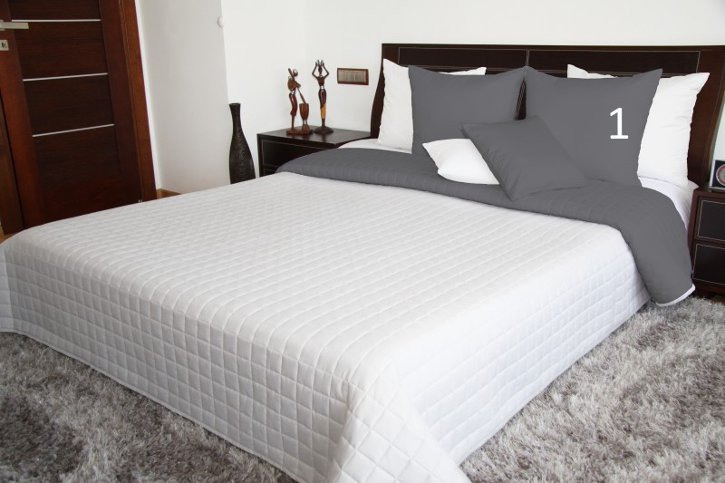 Oboustranné přehozy přes postel v bílé barvě
