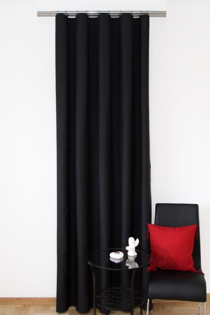 Moderní hotové závěsy černé barvy