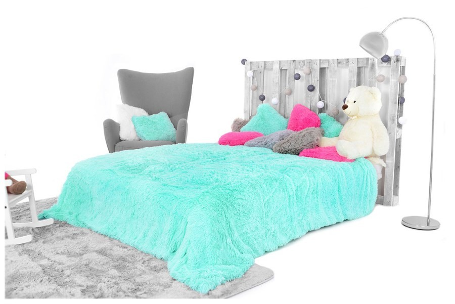 Luxusní chlupaté deky a přehozy mentolové barvy 200 x 220 cm