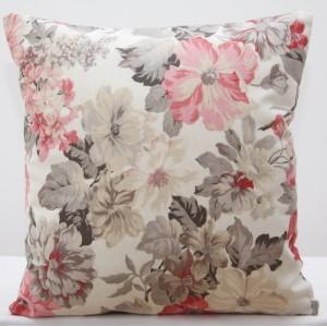Potahy na polštáře v krémové barvě s květinovým vzorem