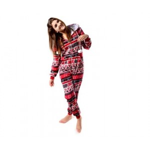Pyžamový overal červené barvy s kapucí