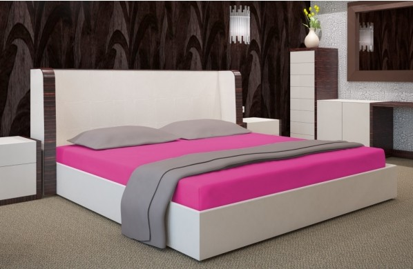 Cyklámenová bavlněná plachta na postel