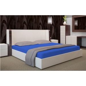 Tmavomodré bavlněné prostěradlo na postel