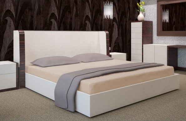 Bavlněné světlehnědé prostěradla na postele
