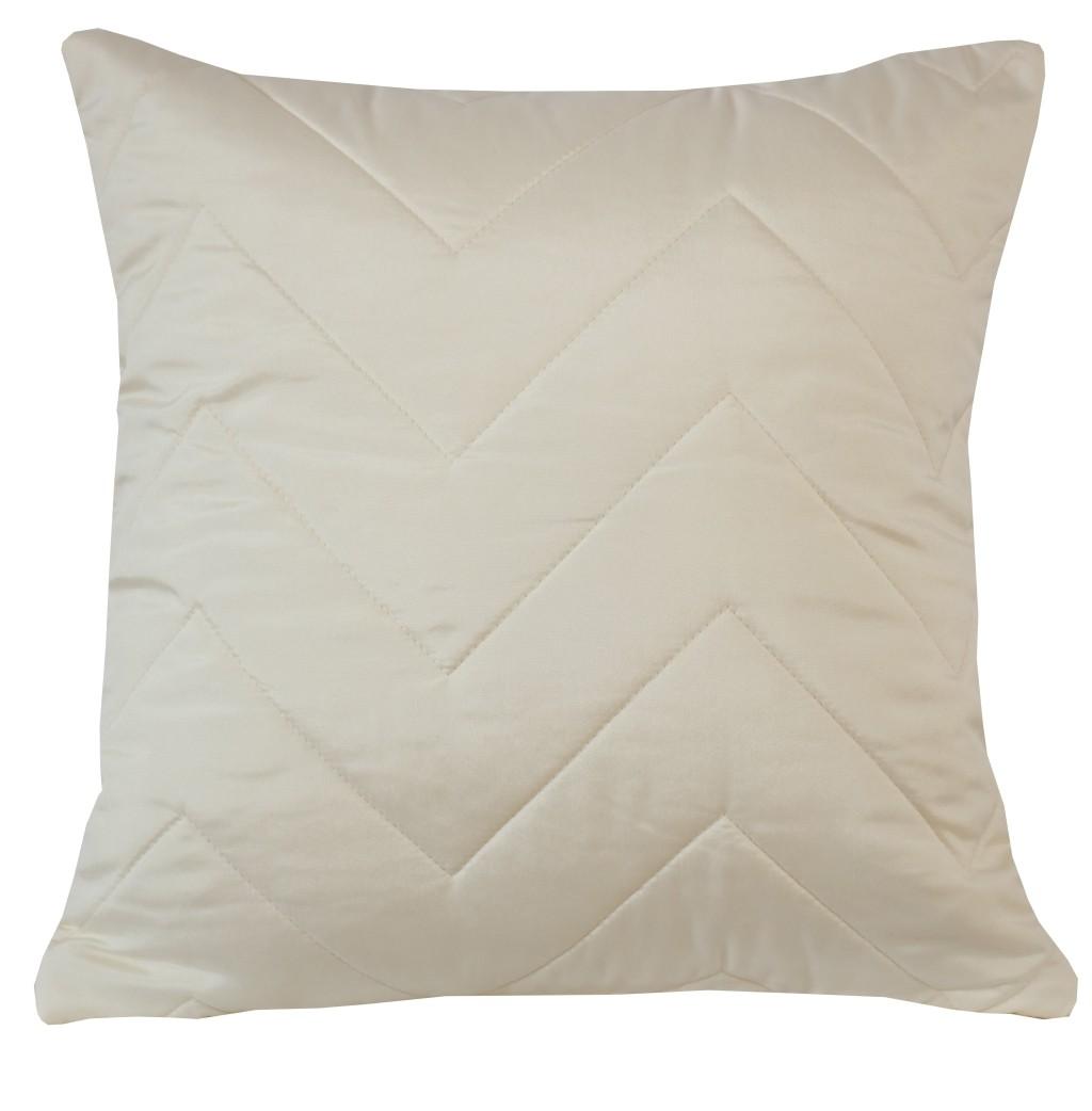 Krémové ozdobné povlaky na polštáře