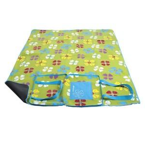 Květovaná pikniková deka zelené barvy