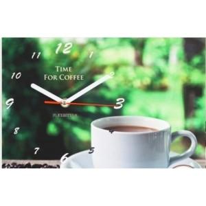 Zelené kuchyňské hodiny s šálkem kávy